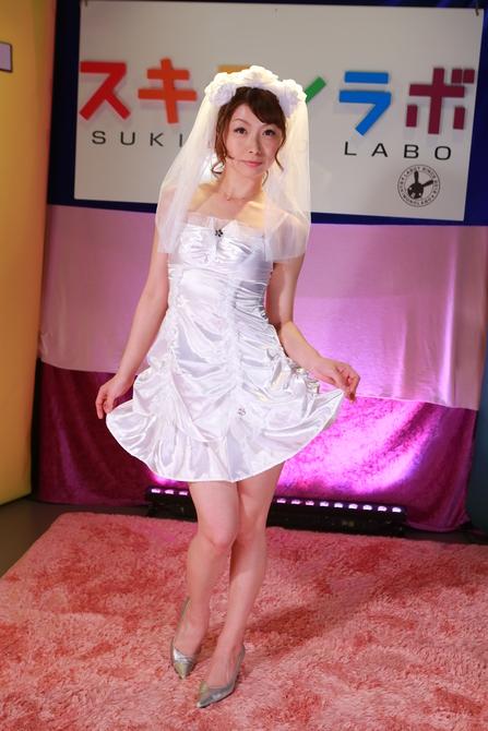 【会員限定250ポイント還元!】セクシーサテンウェディングドレス セット 商品説明画像3